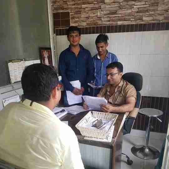 Dr. Sumit Girdhar's profile on Curofy