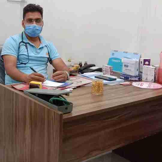 Dr. Hukam Meena's profile on Curofy