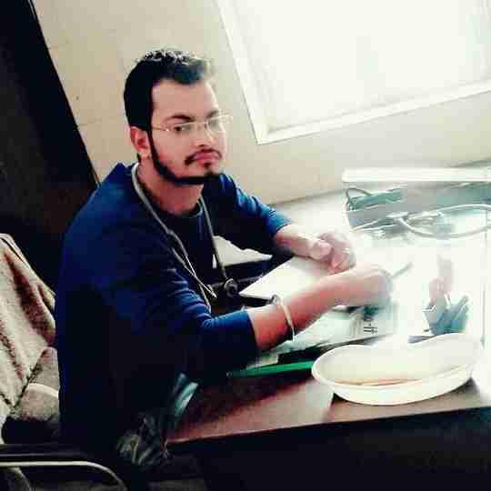 Dr. Manoj Bhardwaj's profile on Curofy