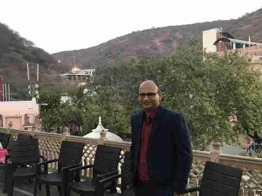 Dr. Maneesh Vijay's profile on Curofy