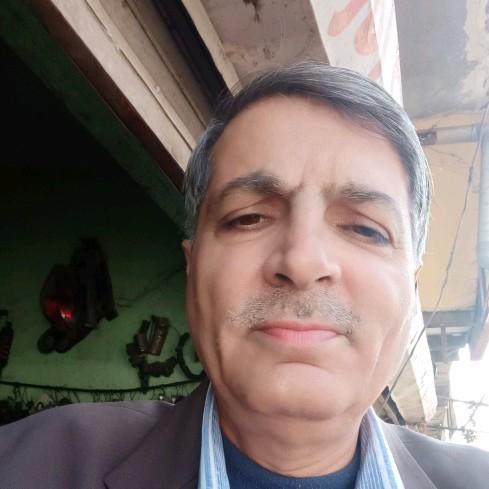 Dr. Mohinder Malhotra's profile on Curofy