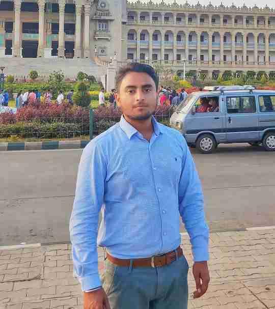 Dr. Akash Bhatt's profile on Curofy
