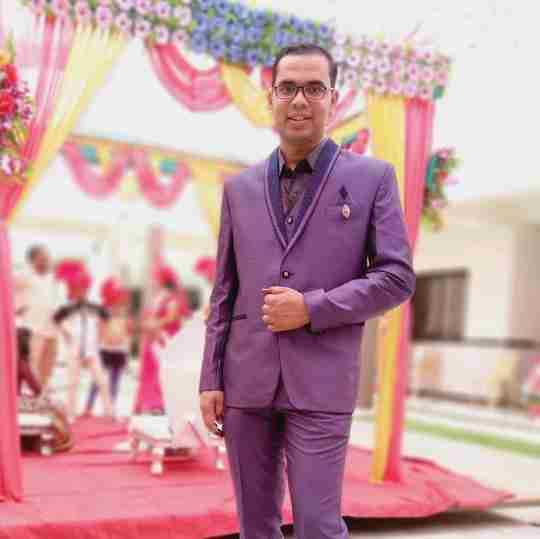 Suraj Bhakkad's profile on Curofy