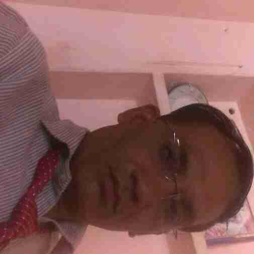 Dr. Sanjeev Saxena's profile on Curofy