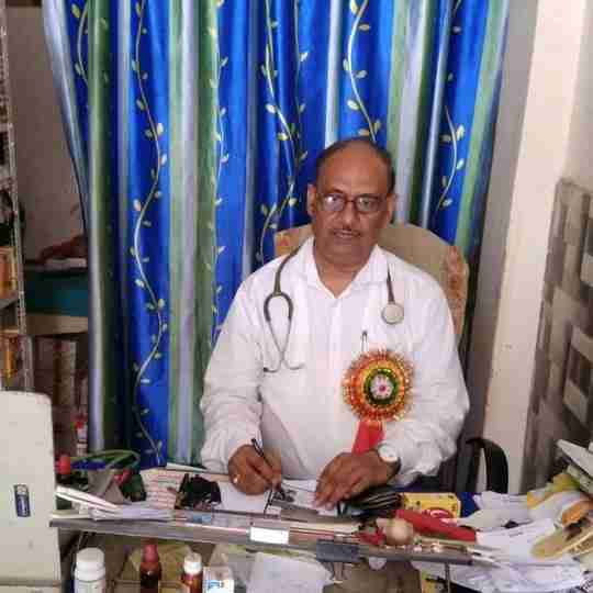 Dr. Rajkumar Singh Solanki's profile on Curofy