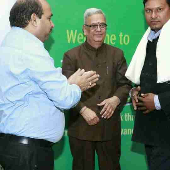 Dr. Dinesh Lowanshi's profile on Curofy