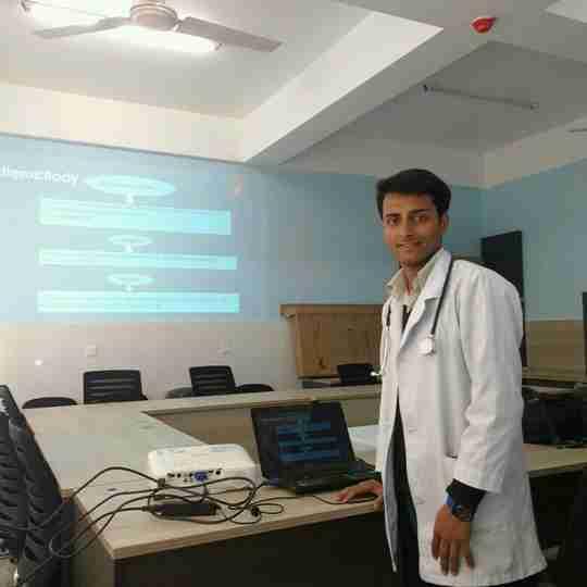 Parash Adhikari's profile on Curofy