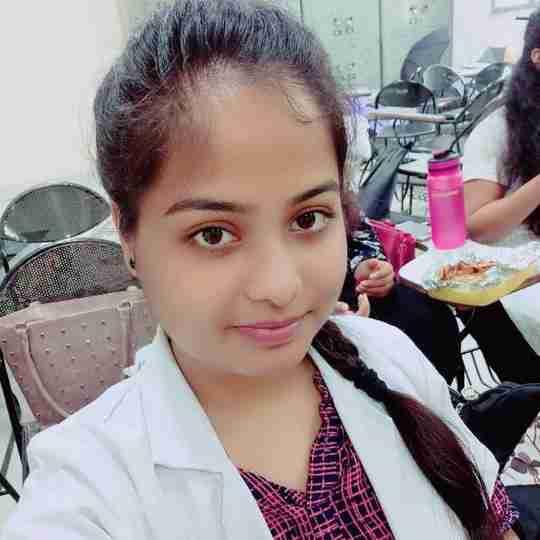 Isha Johri's profile on Curofy