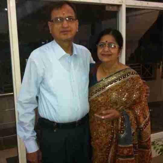 Dr. Naresh Khanna's profile on Curofy
