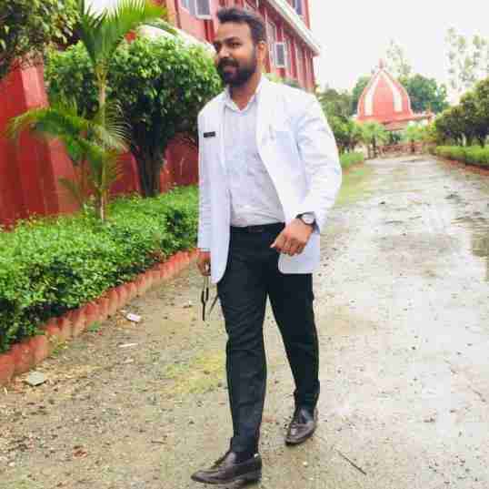 Dr. Sujeet Dev's profile on Curofy
