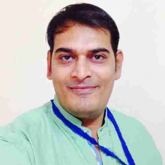 Dr. Navneet Dadhich's profile on Curofy
