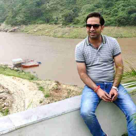 Dr. Sunil Moond's profile on Curofy