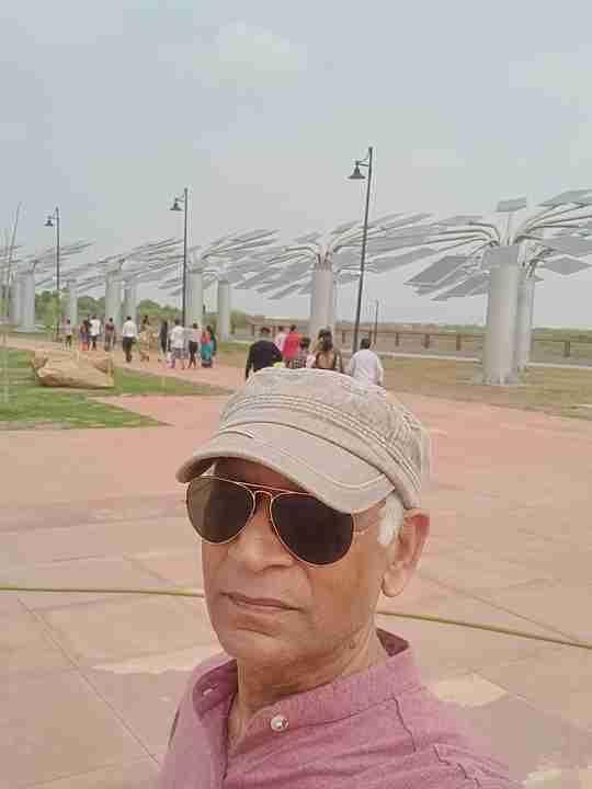 Dr. Dinesh Mishra's profile on Curofy