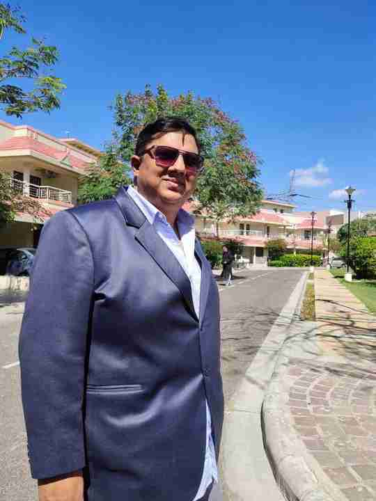 Dr. Pushkar Mani's profile on Curofy