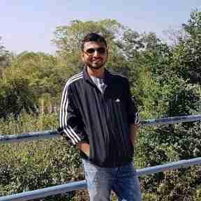 Akshay Parakh's profile on Curofy