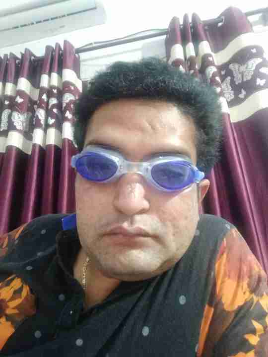 Dr. Vijay Alora's profile on Curofy