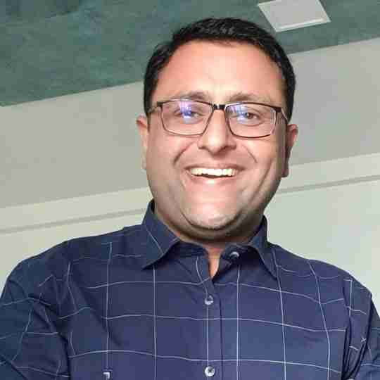 Dr. Piyush Parmar's profile on Curofy