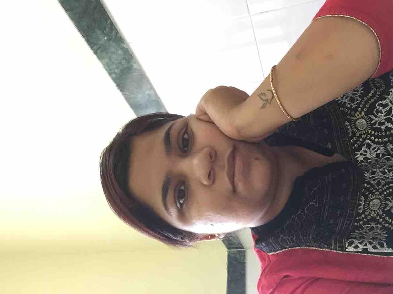 Dr. Yamini Singh's profile on Curofy
