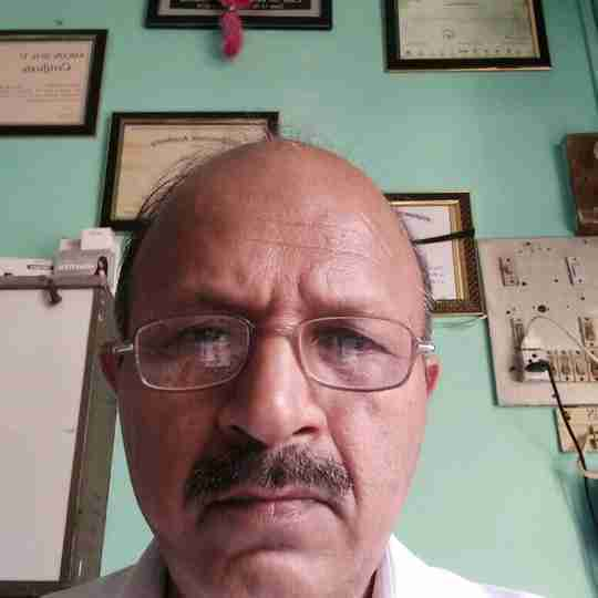 Dr. Surinder Sharma's profile on Curofy