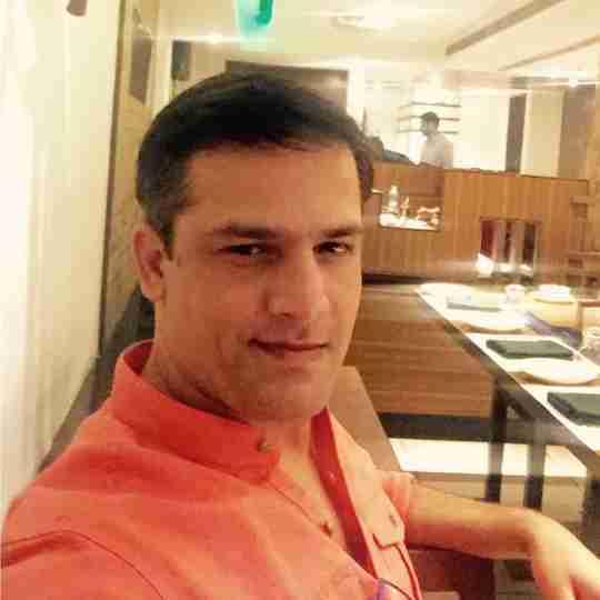 Dr. Rakesh Thakur's profile on Curofy
