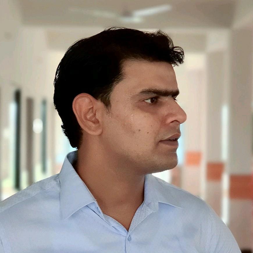 Dr. Adil Nayeem's profile on Curofy