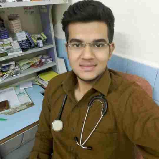 Dr. Bhavnesh Bhatt's profile on Curofy