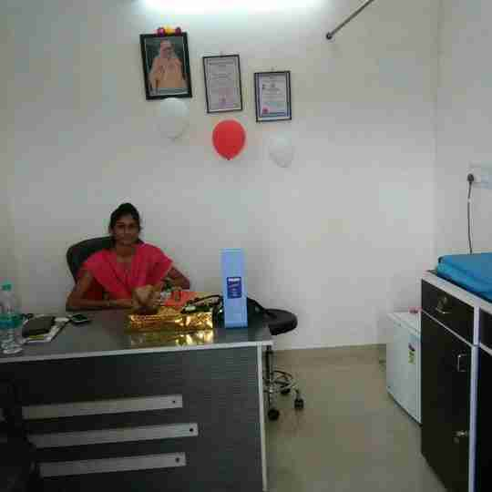 Dr. Sandhya Kotak's profile on Curofy