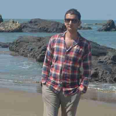 Dr. Naveen Bhardwaj's profile on Curofy