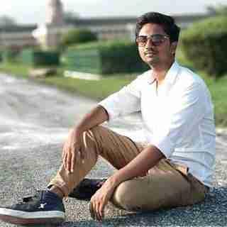 Rishav Raaz's profile on Curofy