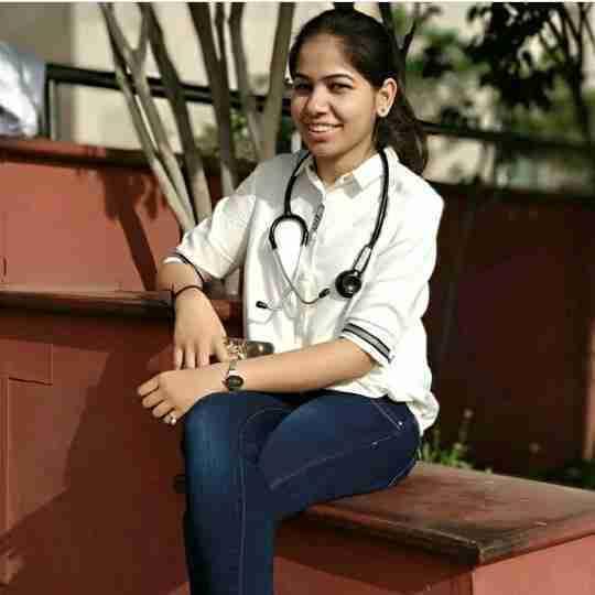 Dr. Priya Sharma's profile on Curofy