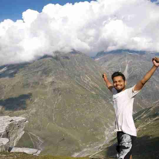 Abhishek Bhagora's profile on Curofy