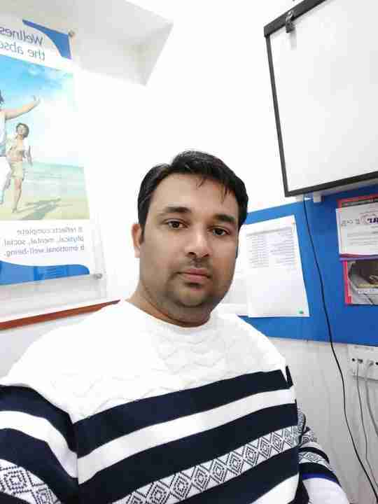 Dr. Farhad Khan's profile on Curofy