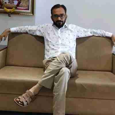 Dr. Mukesh Ludhwani's profile on Curofy