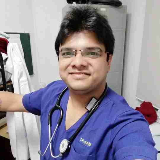 Dr. Aakash Shah's profile on Curofy