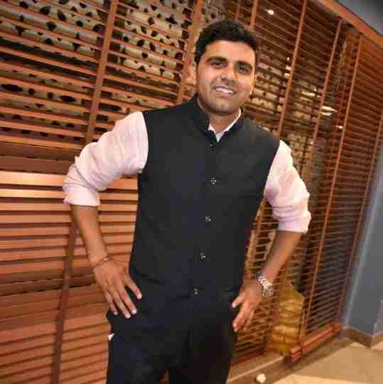 Dr. Naresh Yadav's profile on Curofy