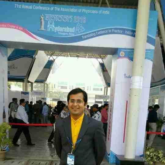 Dr. Vivek Dhakane's profile on Curofy
