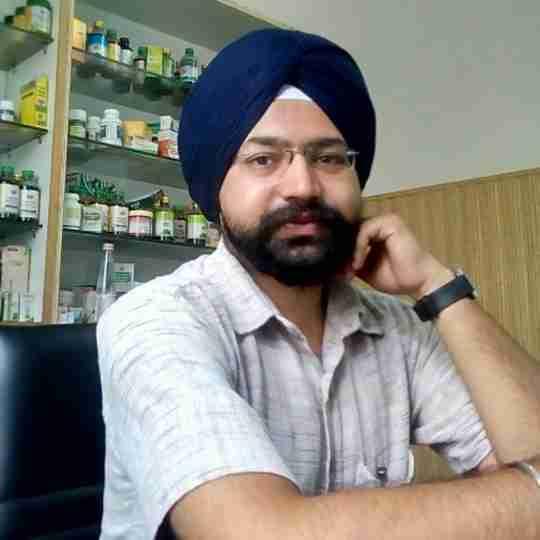 Dr. Kanwar Singh's profile on Curofy
