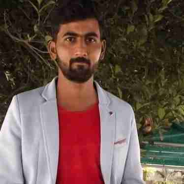 Dr. Akshay Saxena's profile on Curofy