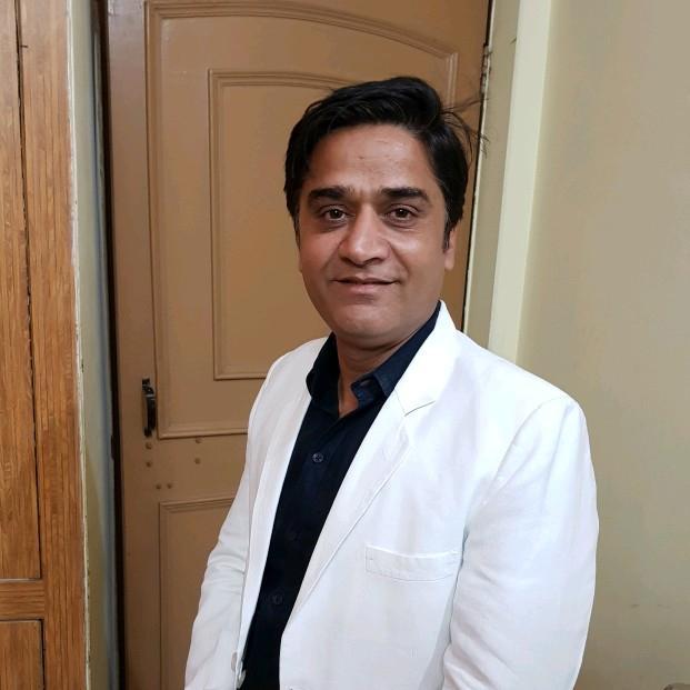 Dr. Fardeen Khan's profile on Curofy