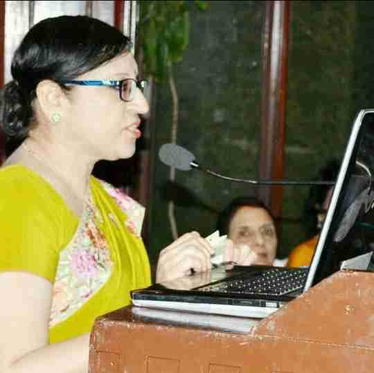 Dr. Shalini Tandon's profile on Curofy