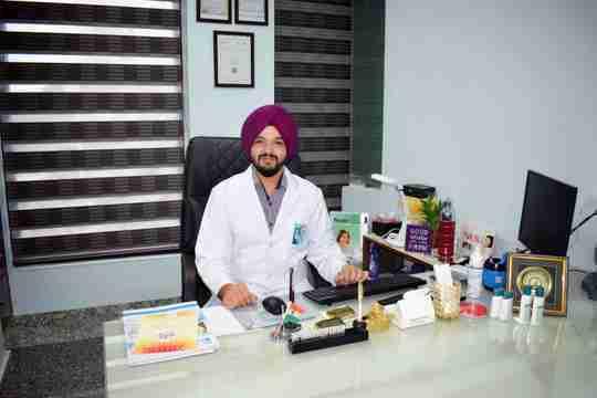 Dr. Tarunveer Singh's profile on Curofy