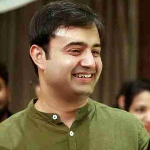 Dr. Ayush Kaushik's profile on Curofy