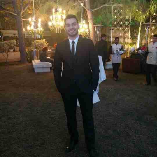 Dr. Vishesh Dhawan's profile on Curofy
