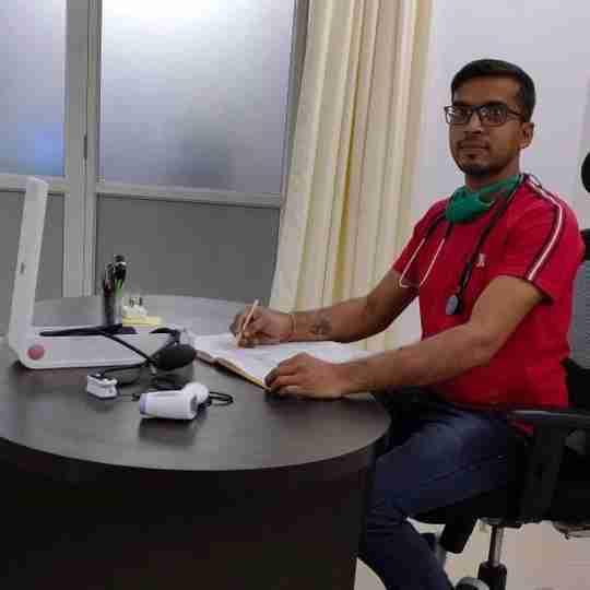 Dr. Pandit Vishal (Pt)'s profile on Curofy