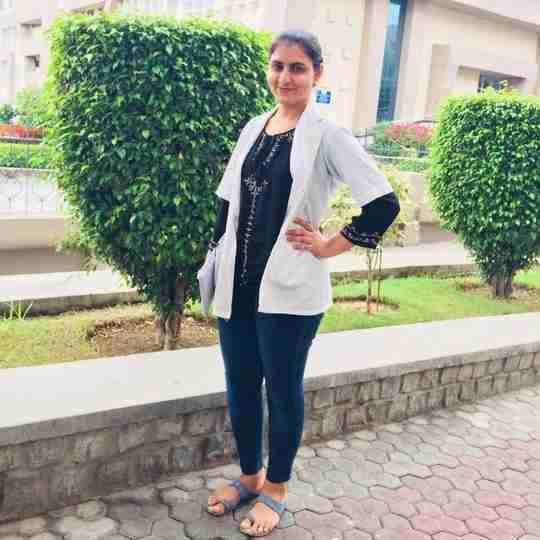 Himani Sharma's profile on Curofy