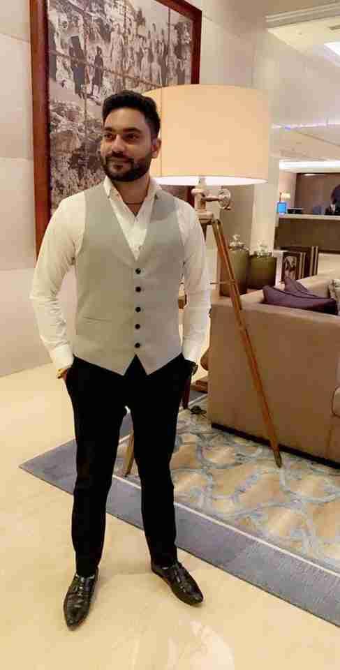 Tushar Wadhawan's profile on Curofy