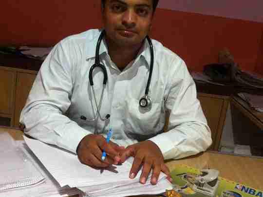 Dr. Ashutosh Sharma's profile on Curofy