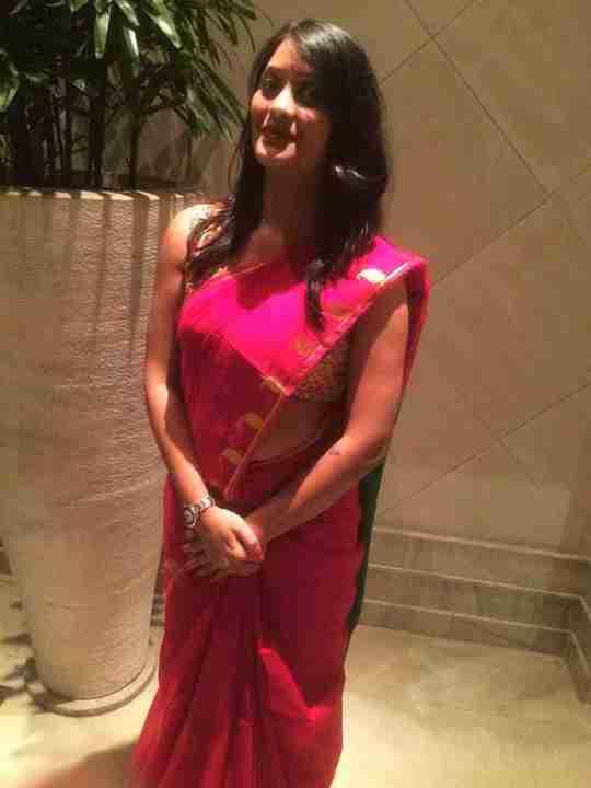Dr. Poonam Jain's profile on Curofy