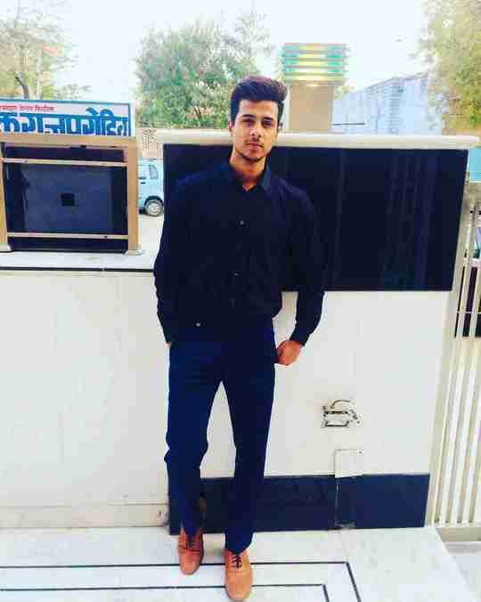 Narendra Choudhary's profile on Curofy