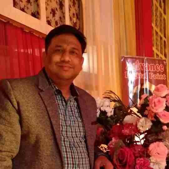 Dr. Deepak Saxena's profile on Curofy